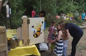 Honigtag-Bienenvolk-02-10x15s
